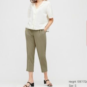Uniqlo crepe tapered pants in olive